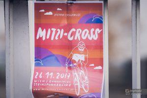MITZI CROSS Viedeň